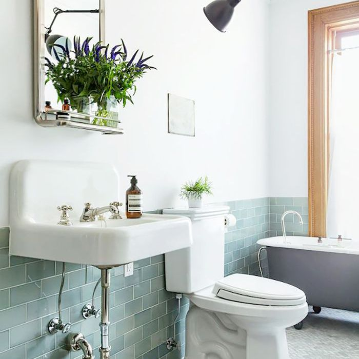 Pin On Loo Or Toilet Or Cloakroom Or Even Bathroom But It Doesn T Have A Bath In