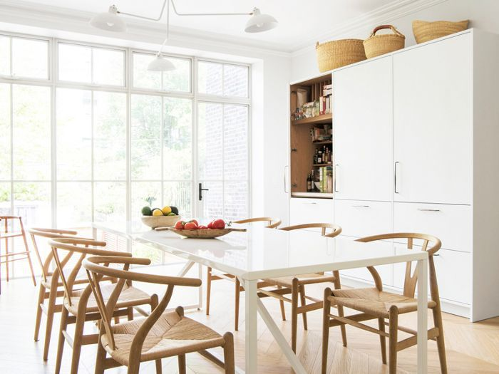How to Organise Kitchen Cabinets, According to Experts