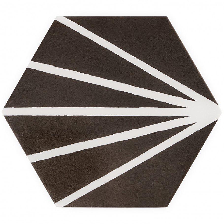 Un mosaico hexagonal negro de gran tamaño con líneas blancas.