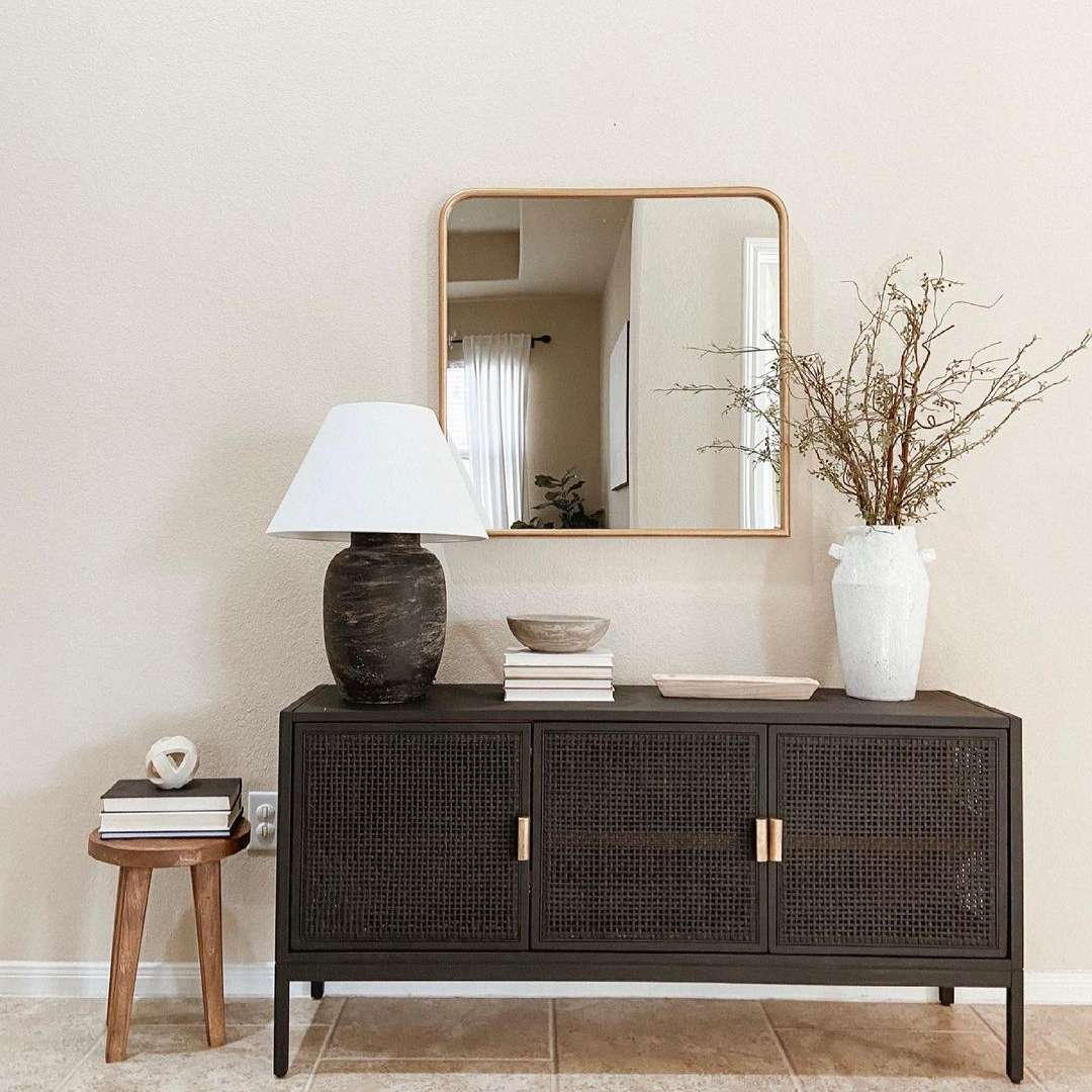 Console with lamp on top