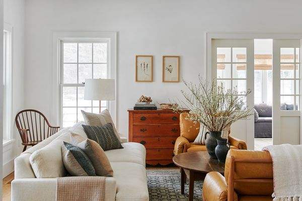makeover of the week - Amber Lewis Connecticut farmhouse living room