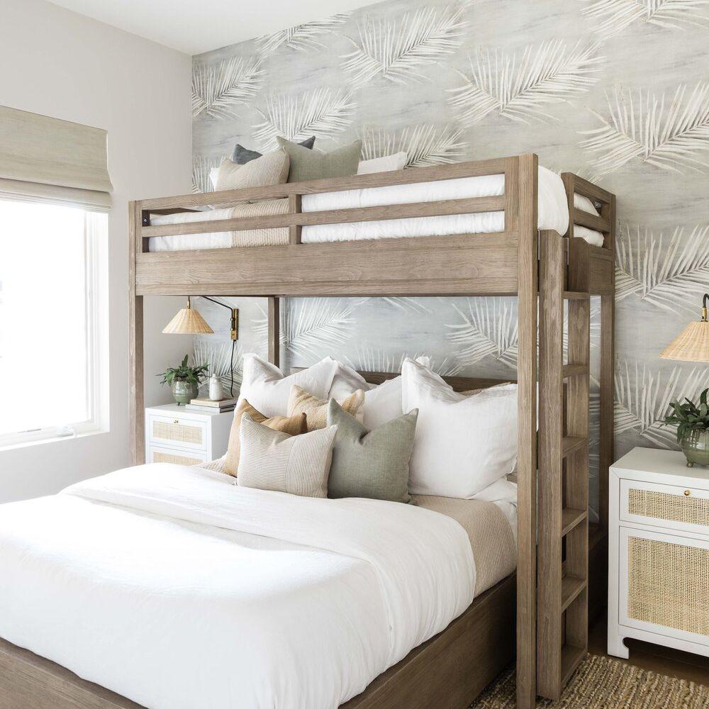 Calming neutral bunk room