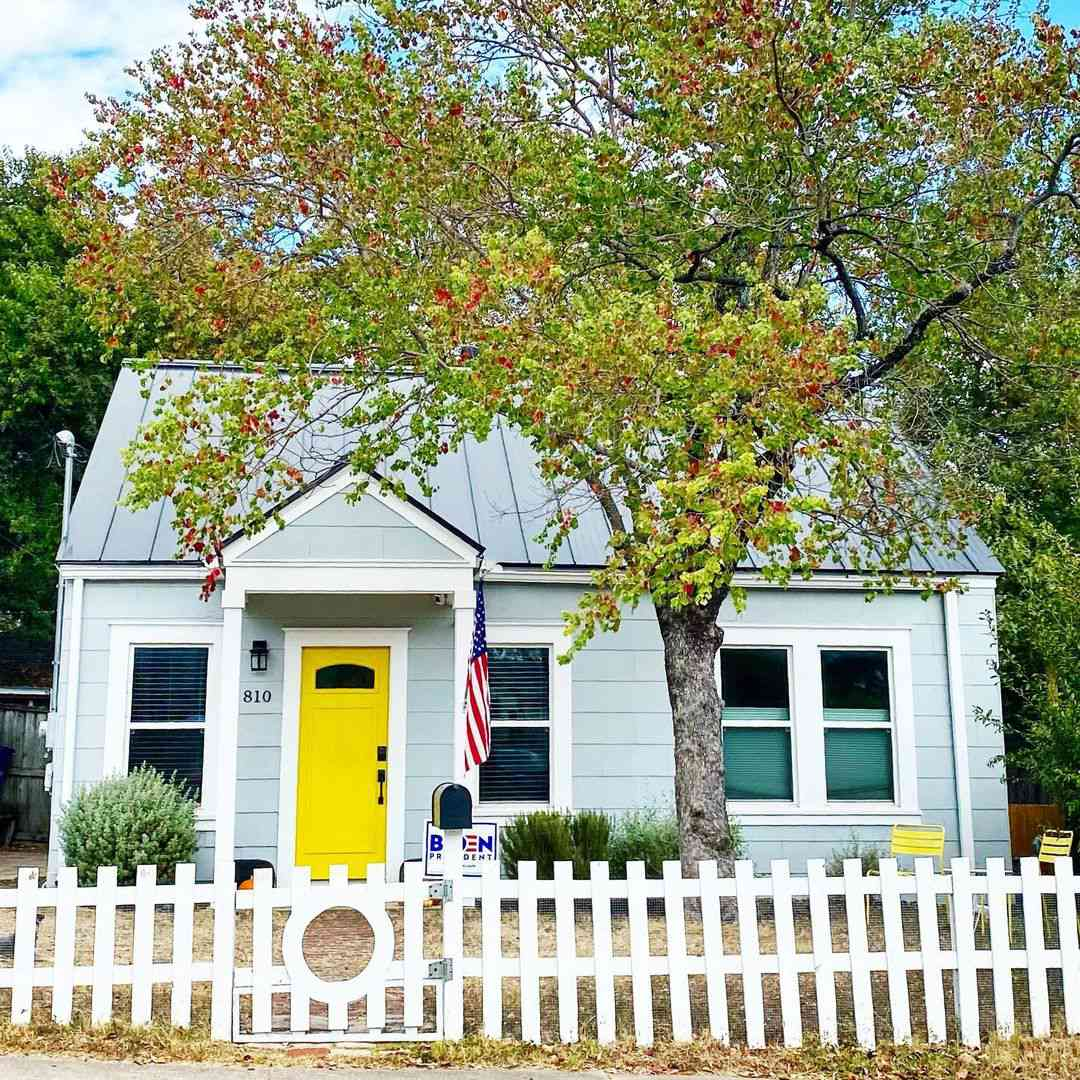 Cottage with yellow door