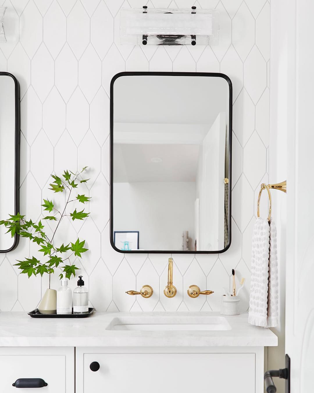 Bedroom Flooring Trends 2019: These 8 Bathroom Tile Trends Are Defining 2019—And There's