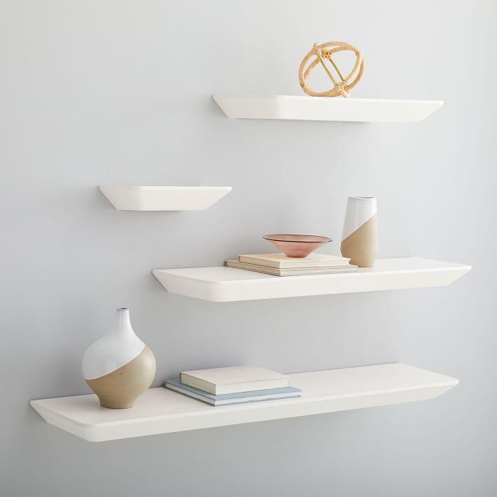 estantes flotantes blancos