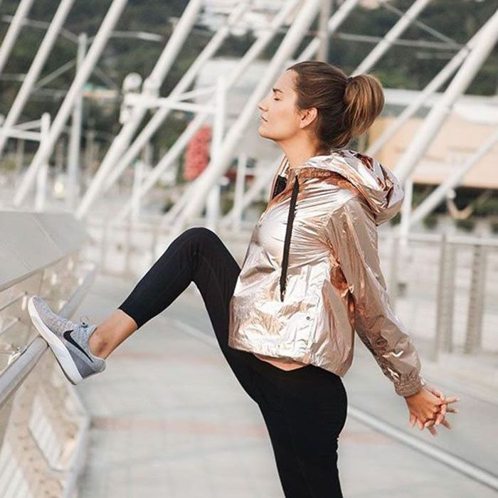 8b3026ca263 Stylish Winter Workout Outfits That Will Keep You Warm