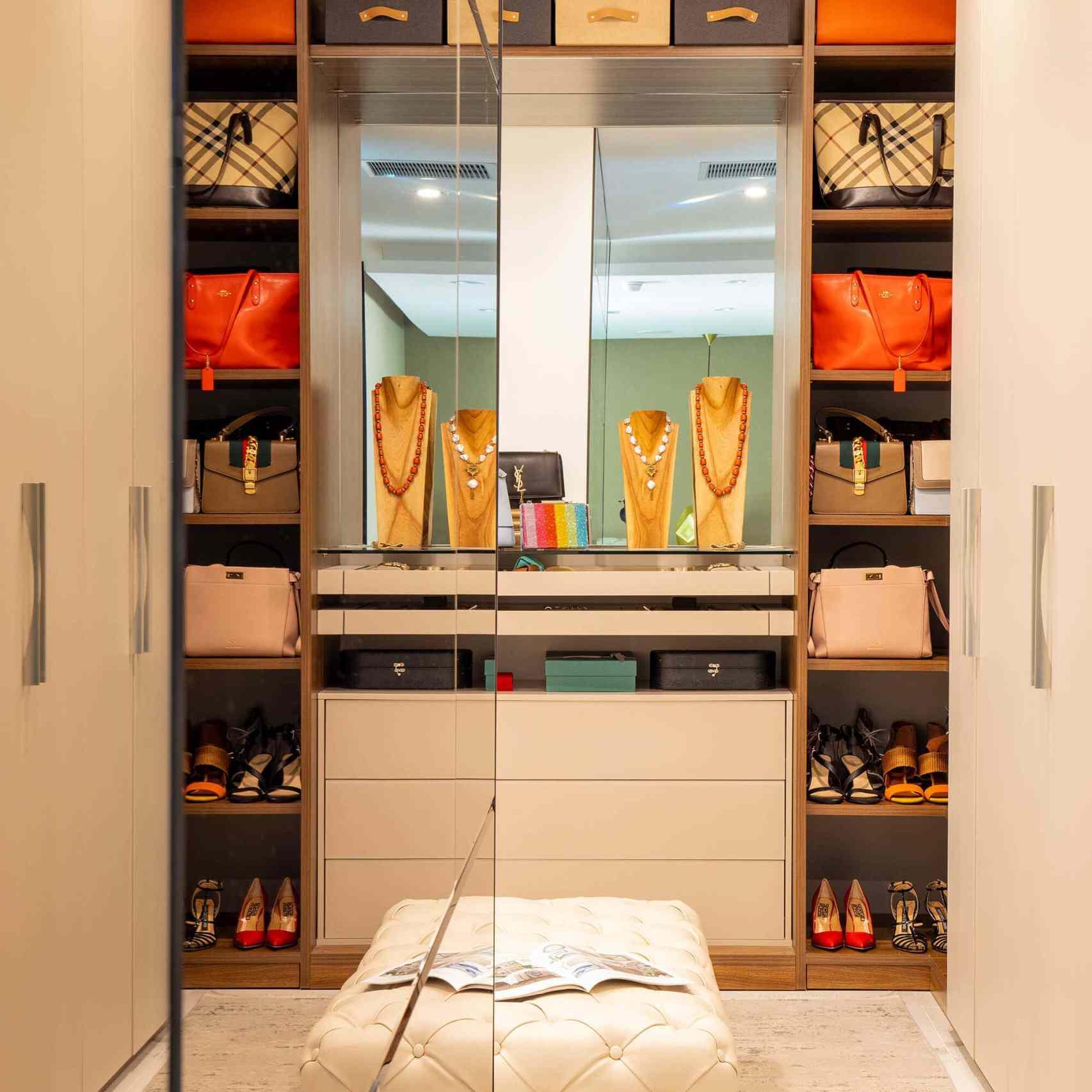 13 Beautiful Walk-In Closet Design Ideas