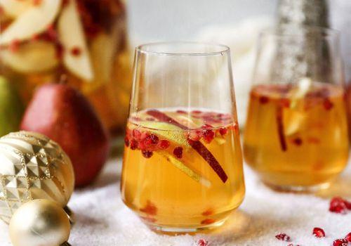 Ginger bourbon sangria Prosecco cocktail