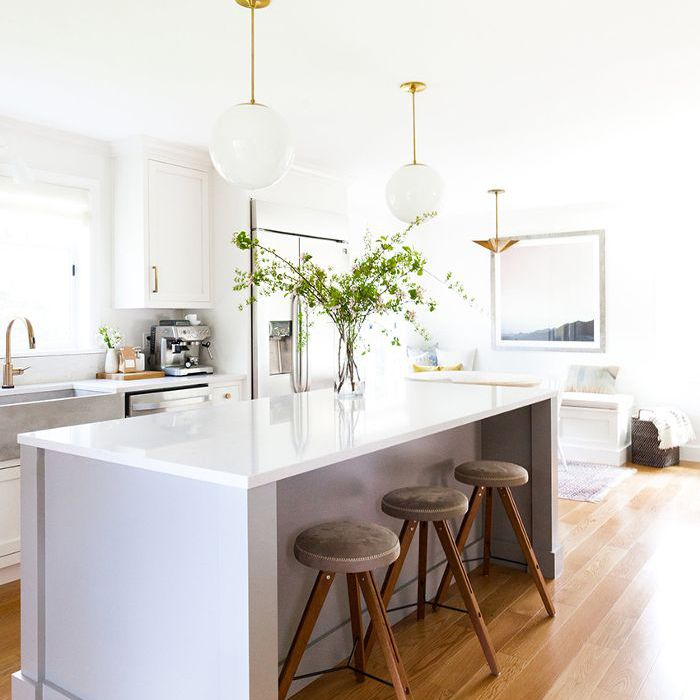 Tour a Seattle Home\'s Striking White Kitchen Remodel