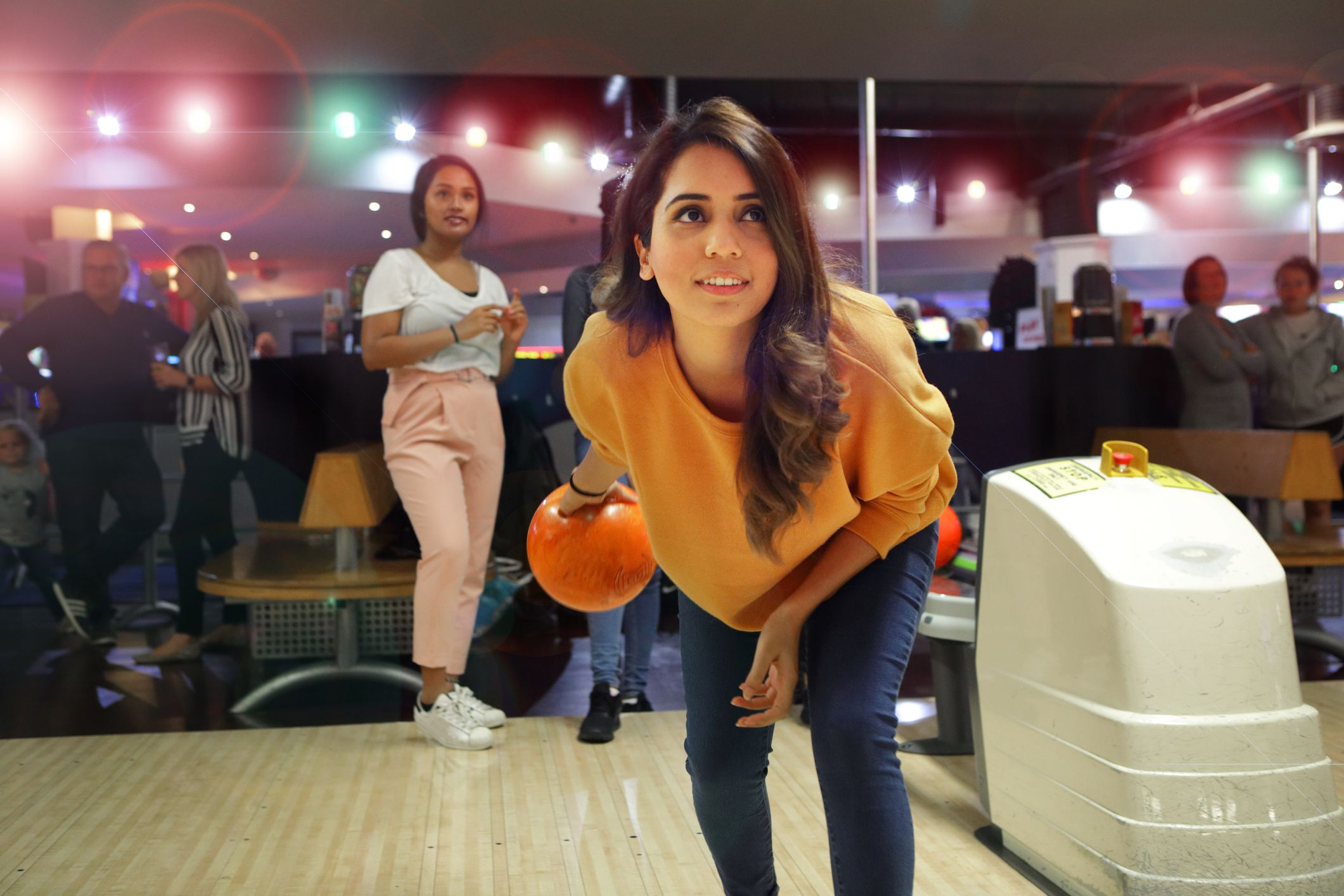What to wear on bowling date