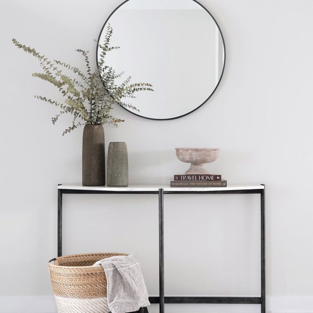 Entryway table with a mirror