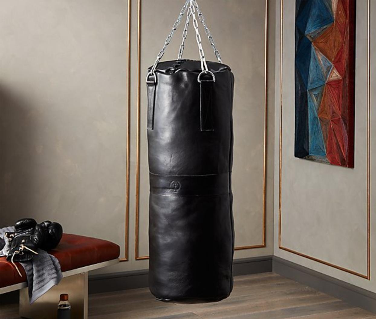 saco de boxeo de cuero negro