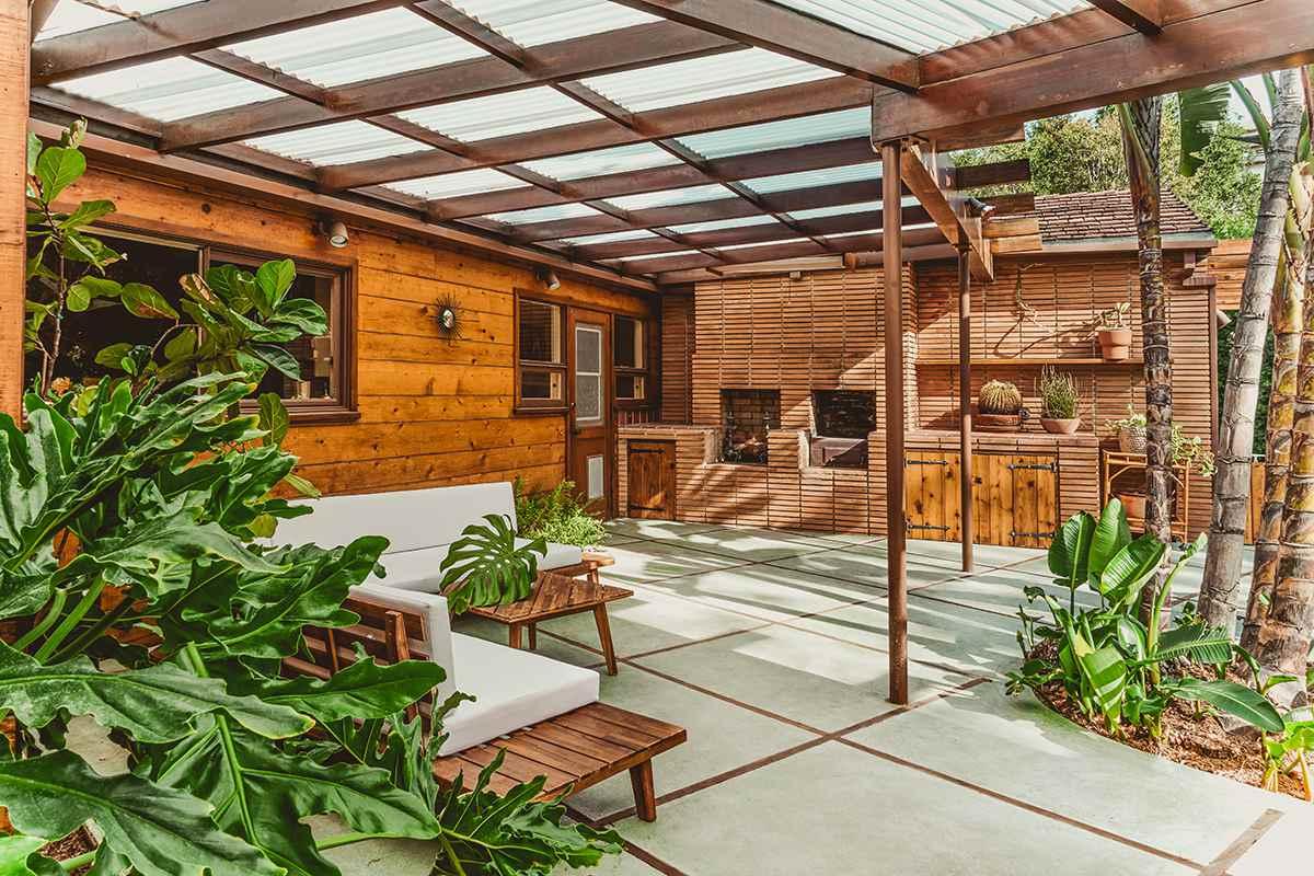 Claire Thomas—mid century home patio design