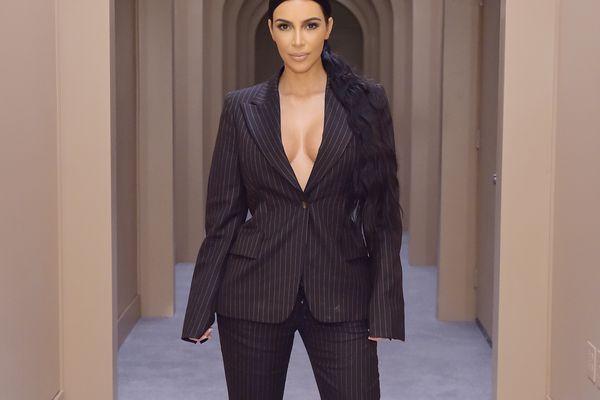 Kim Kardashian—bathroom tour