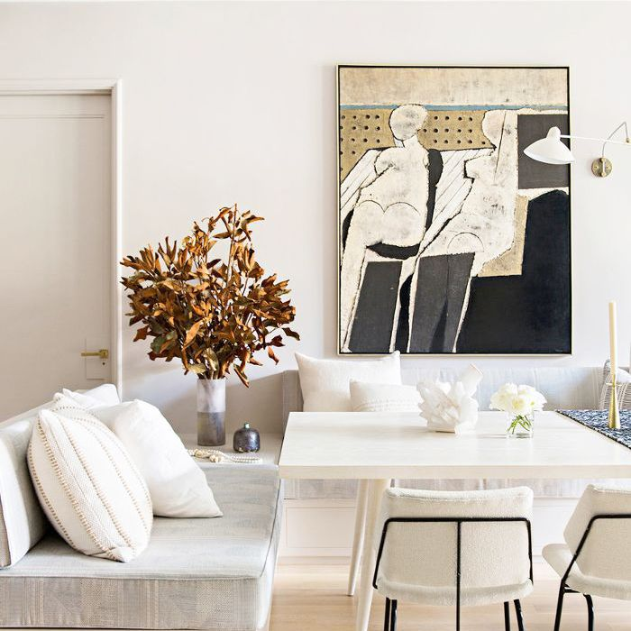 5 Living Room Paint Colors to Shake Things Up Right Now
