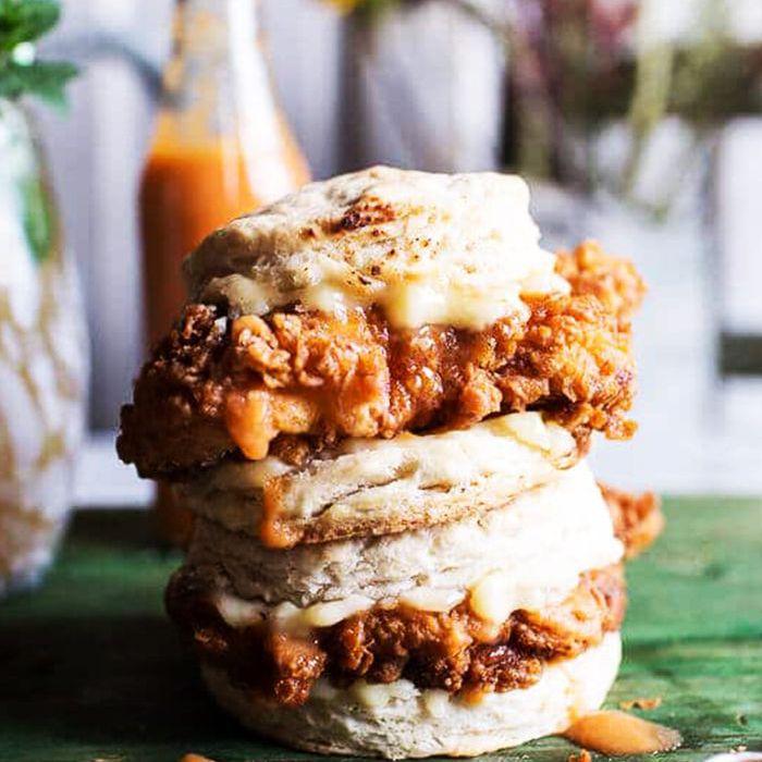 Ideas para la cena sureña - Galleta de pollo con suero de leche