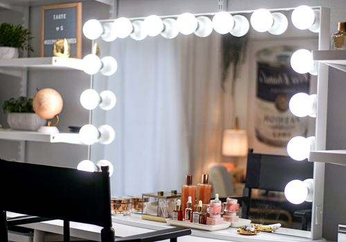 vanity mirror glam room