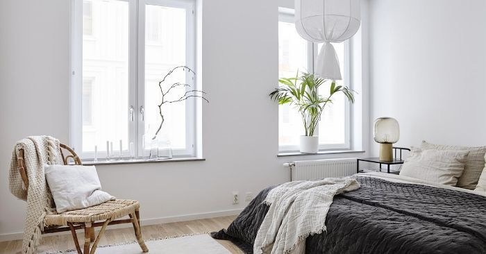 How to organize a small bedroom in 15 minutes - How to arrange a small bedroom with a queen bed ...