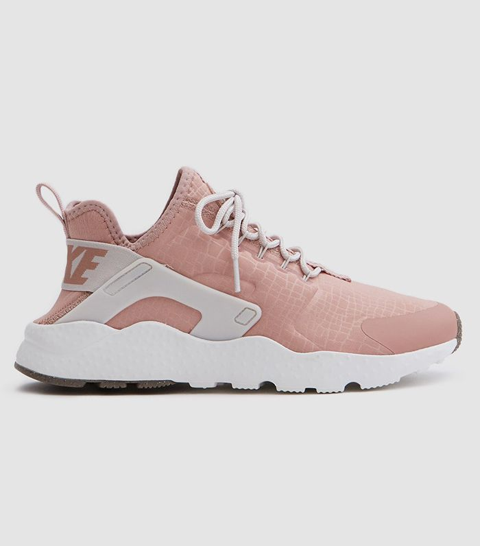 Air Huarache Run Ultra in Particle Pink/Light Bone