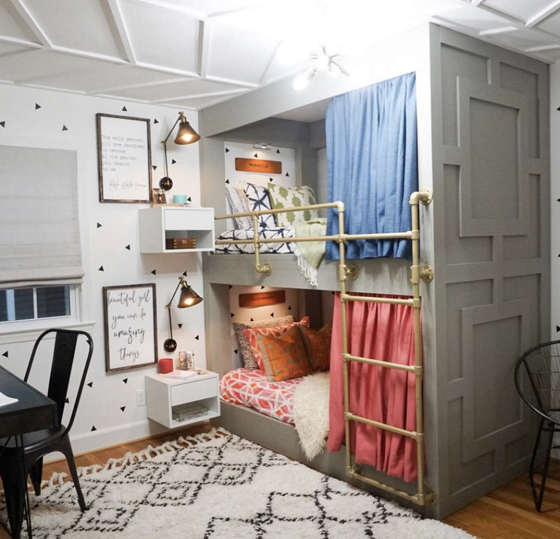 Colorful bunk bed room
