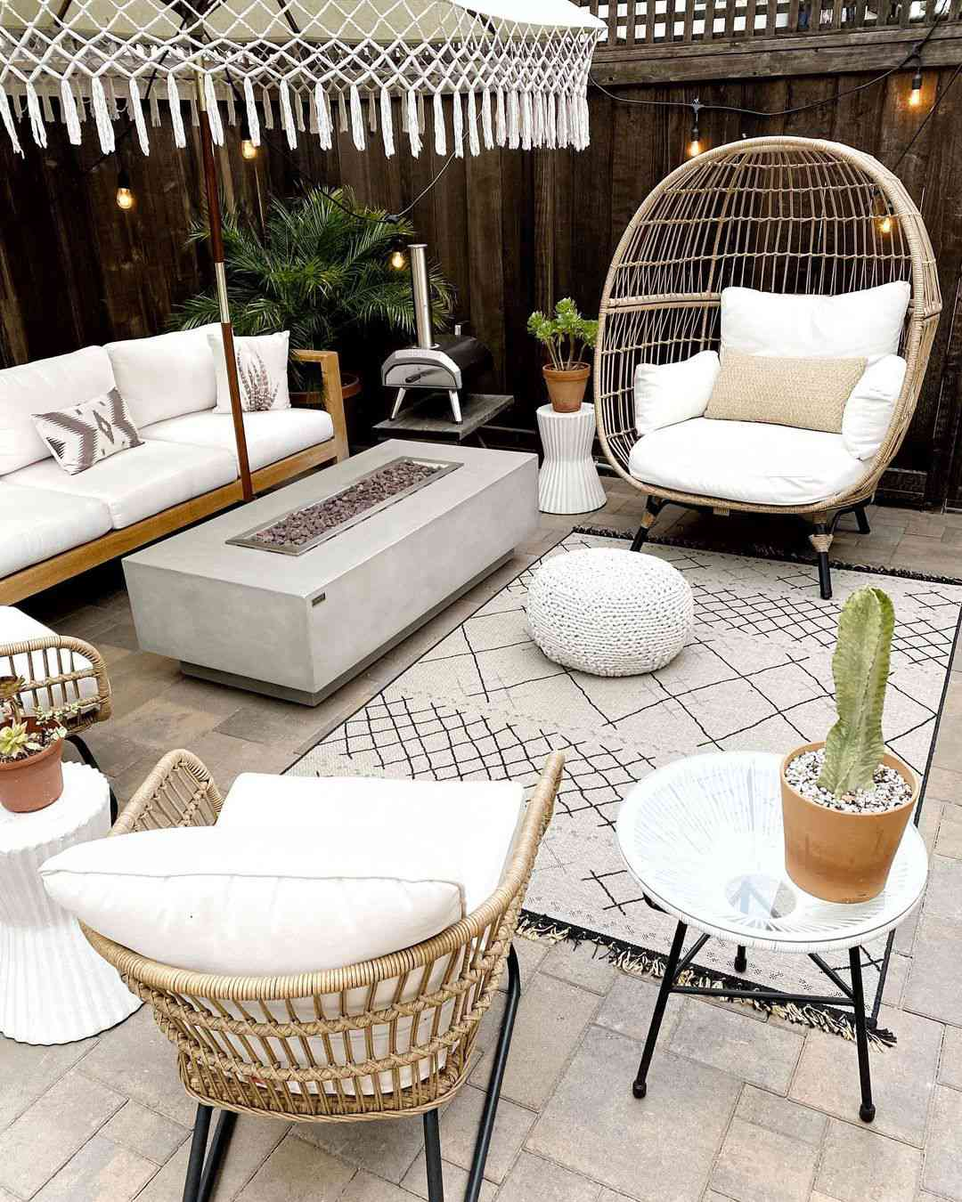 Patio with rattan furniture