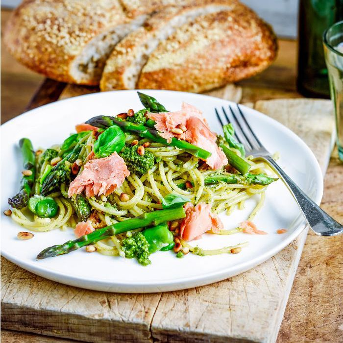 salmon and asparagus pasta