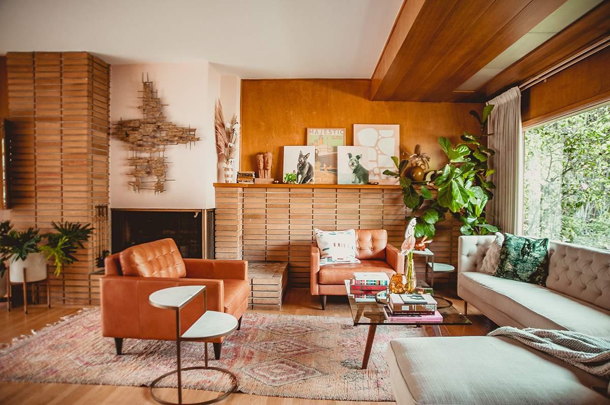 Moderna sala de estar de mediados de siglo