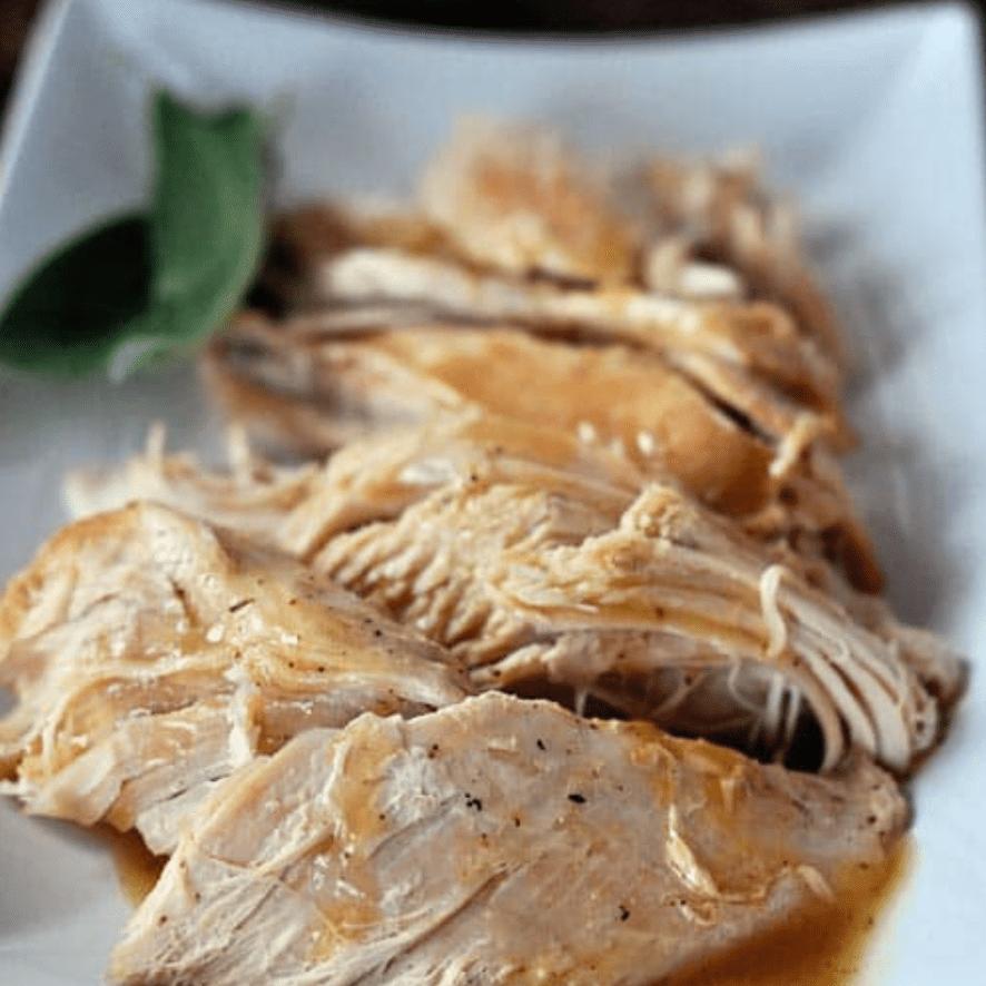 Pavo en olla de cocción lenta con salsa sin complicaciones