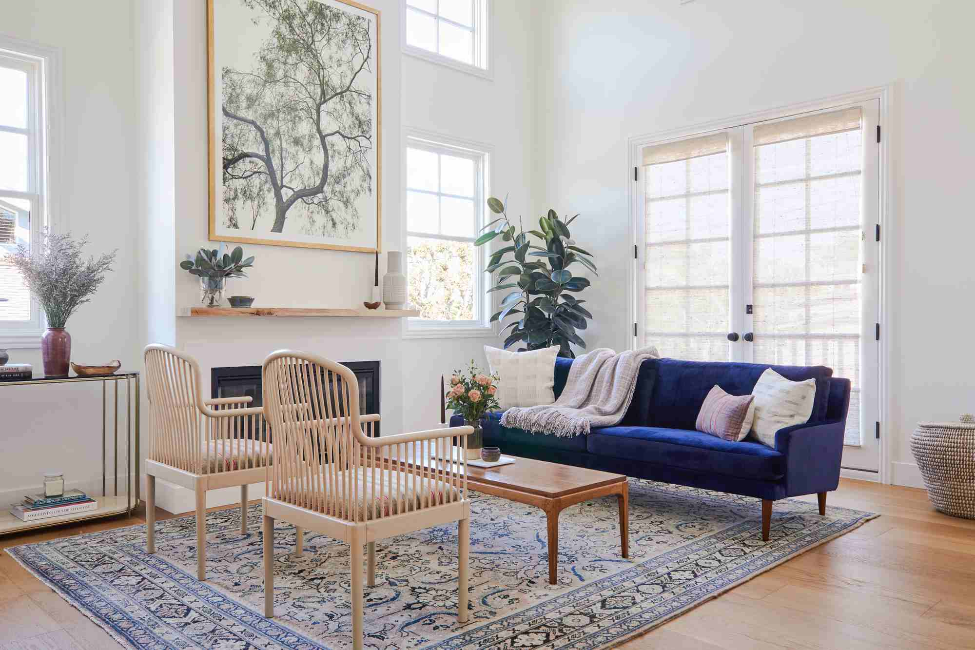5 Small Living Room Mistakes That Make Designers Cringe