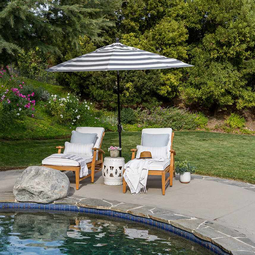 Poolside relaxing chairs.