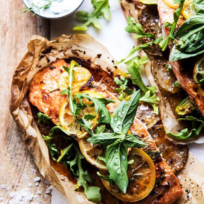 alimentos con bajo contenido de alimentos: salmón