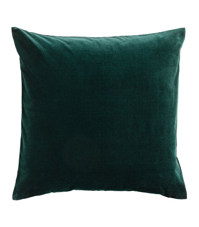 fe86d76a9d4ec These H&M Throw Pillows Will Transform Any Room