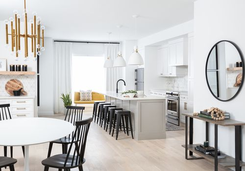 An open-concept interior where the kitchen and the dining room are connected.