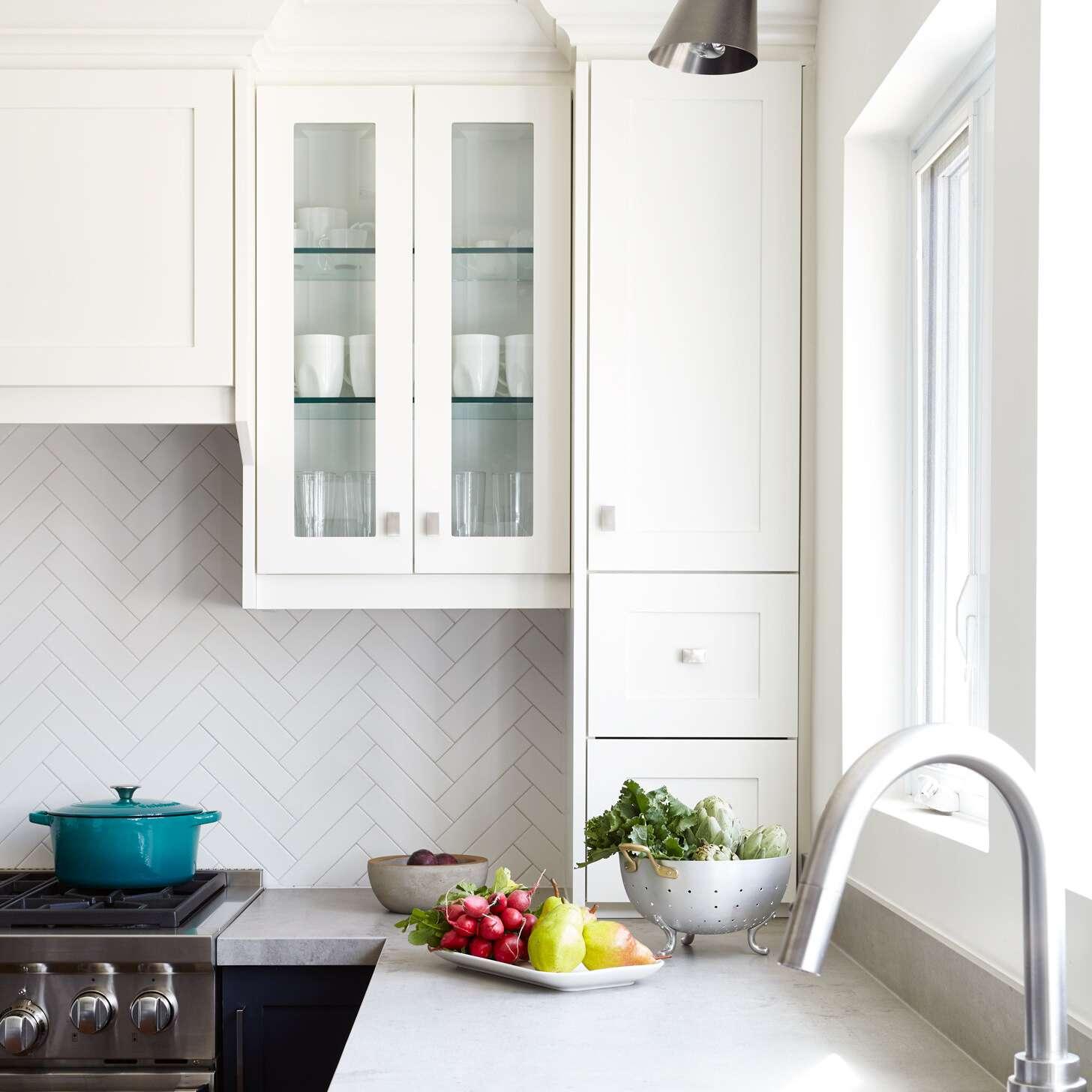 Kitchen with chevron stripes