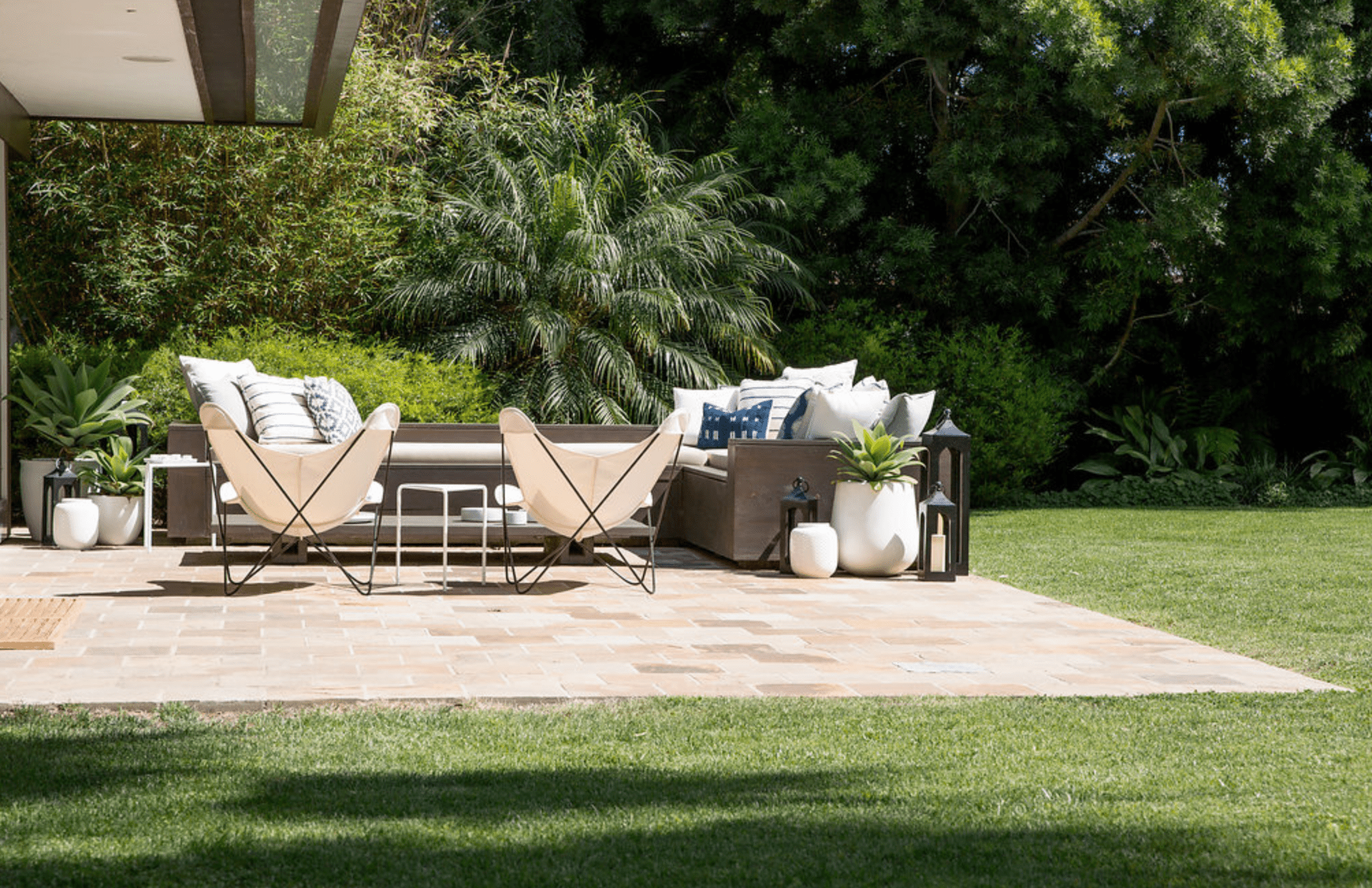 outdoor patio with flexible space