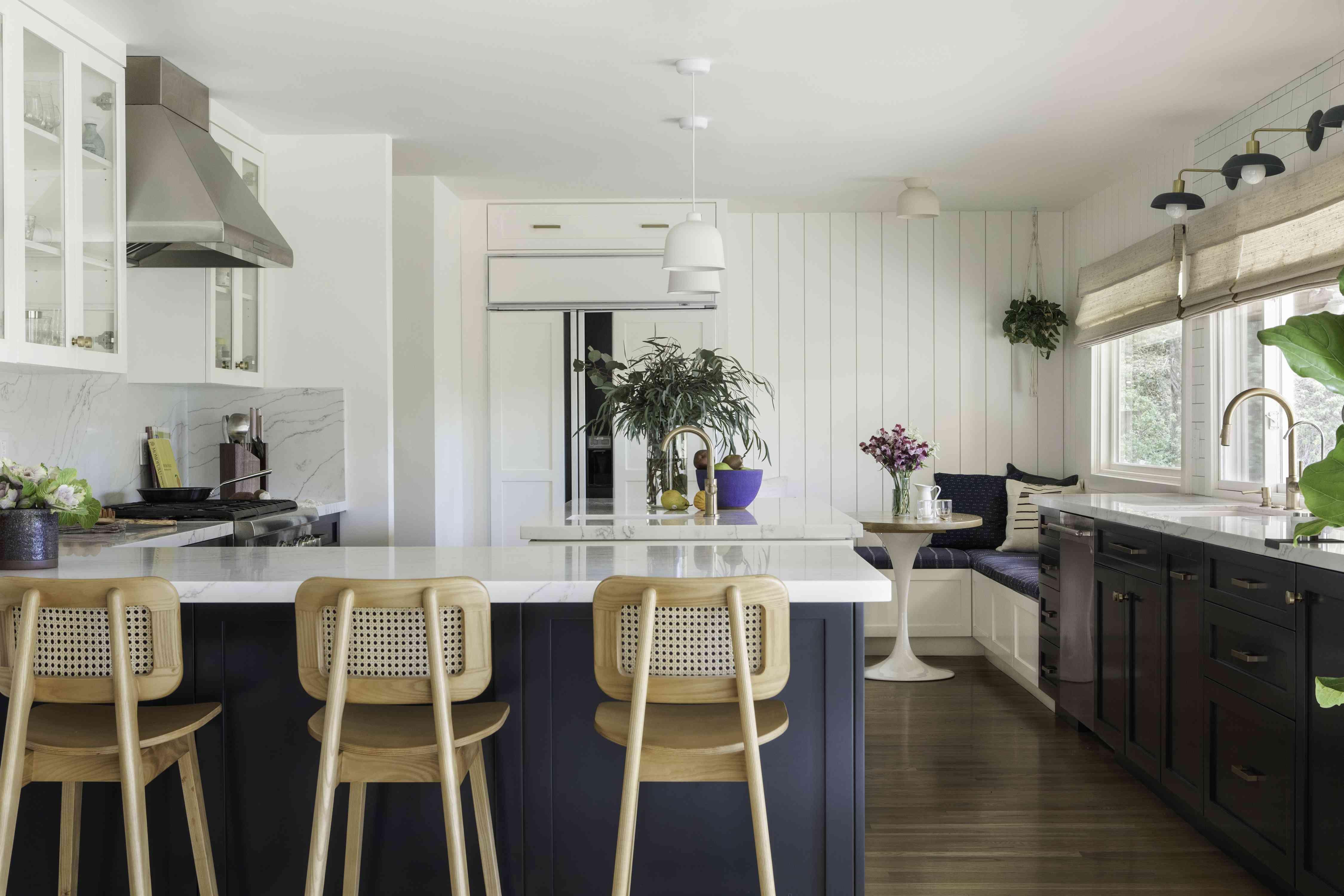 New, fresh kitchen.