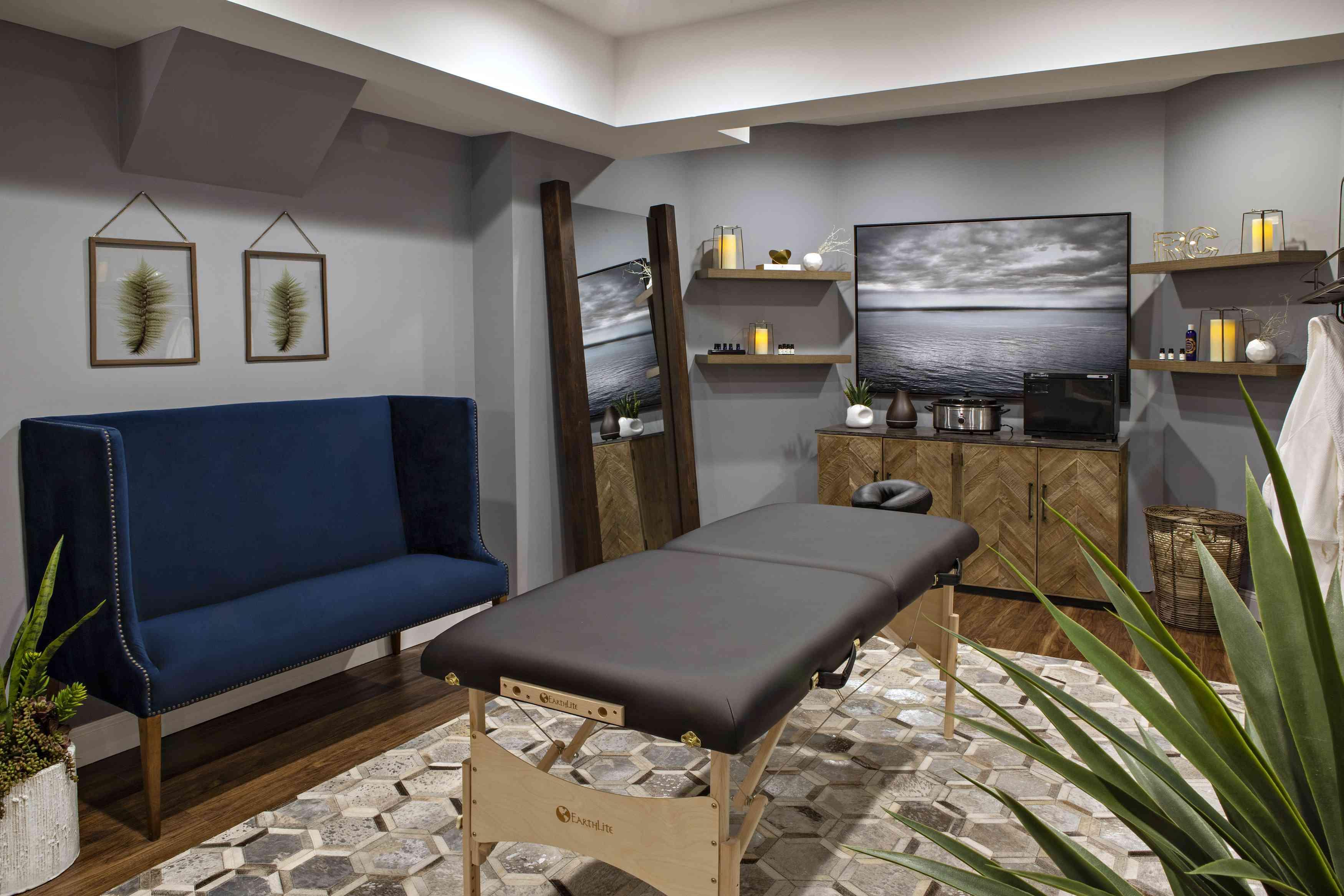 Bachelor spa room
