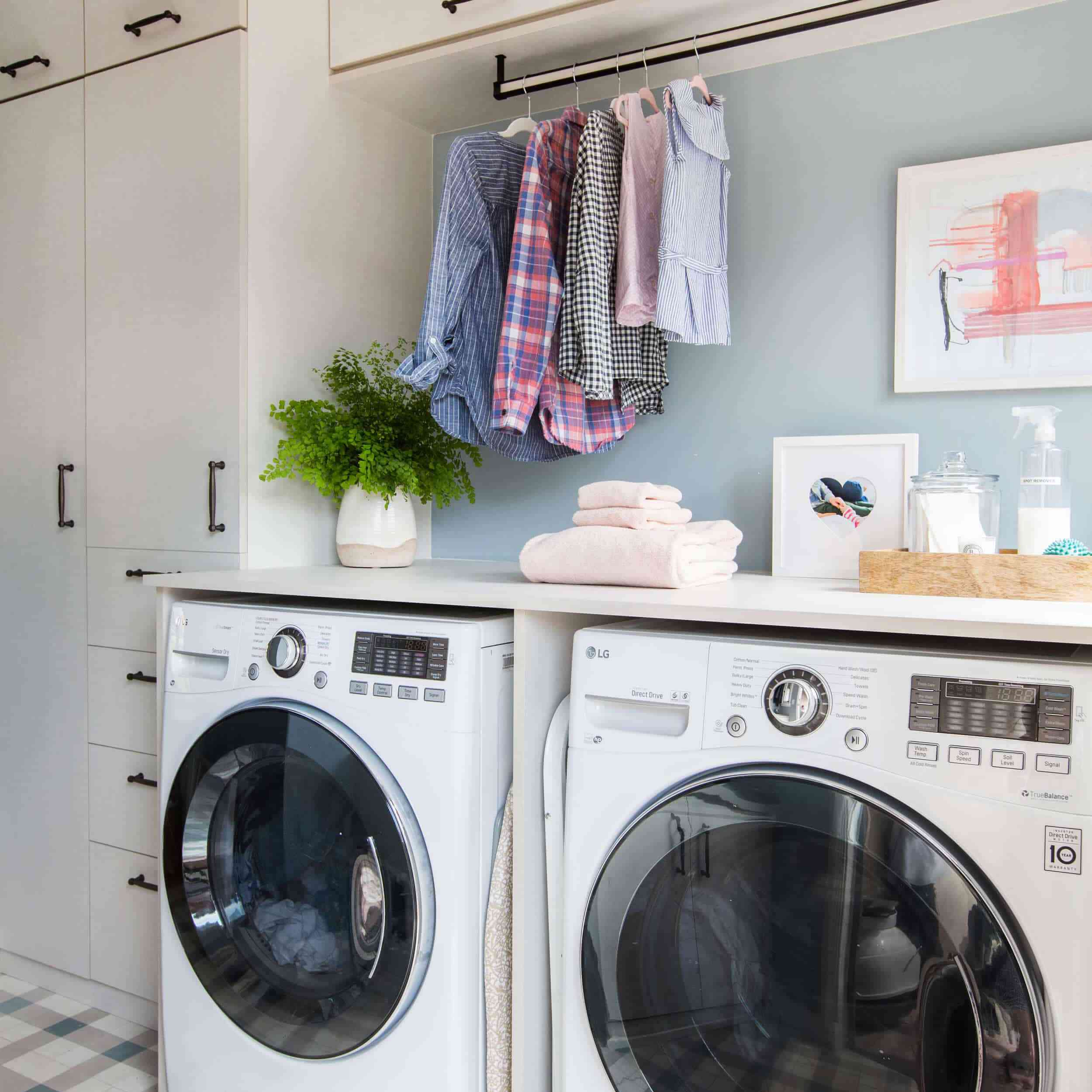 20 Small Laundry Rooms That Still Make Space For Style