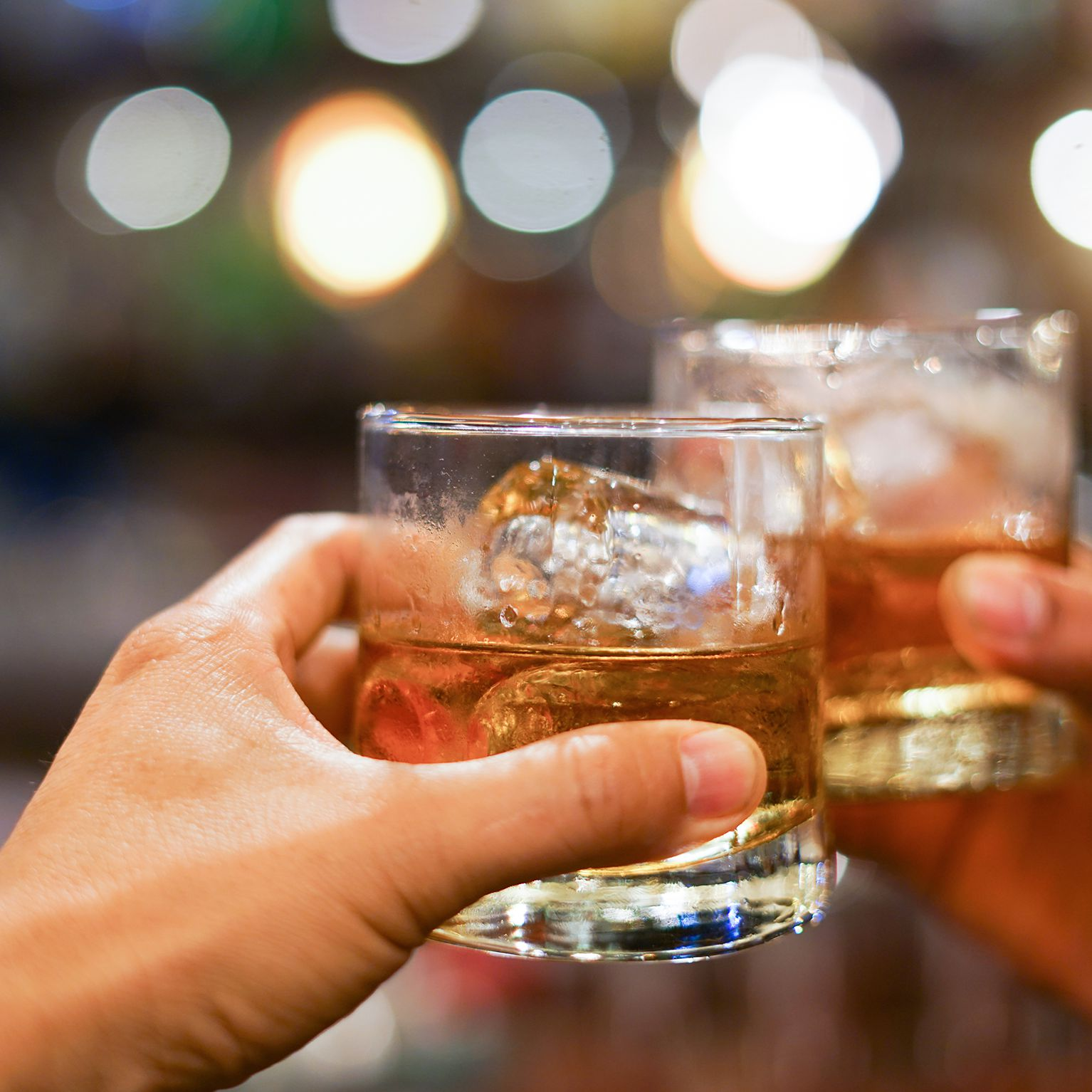 9 Irish Whiskeys to Buy For Your Home Bar