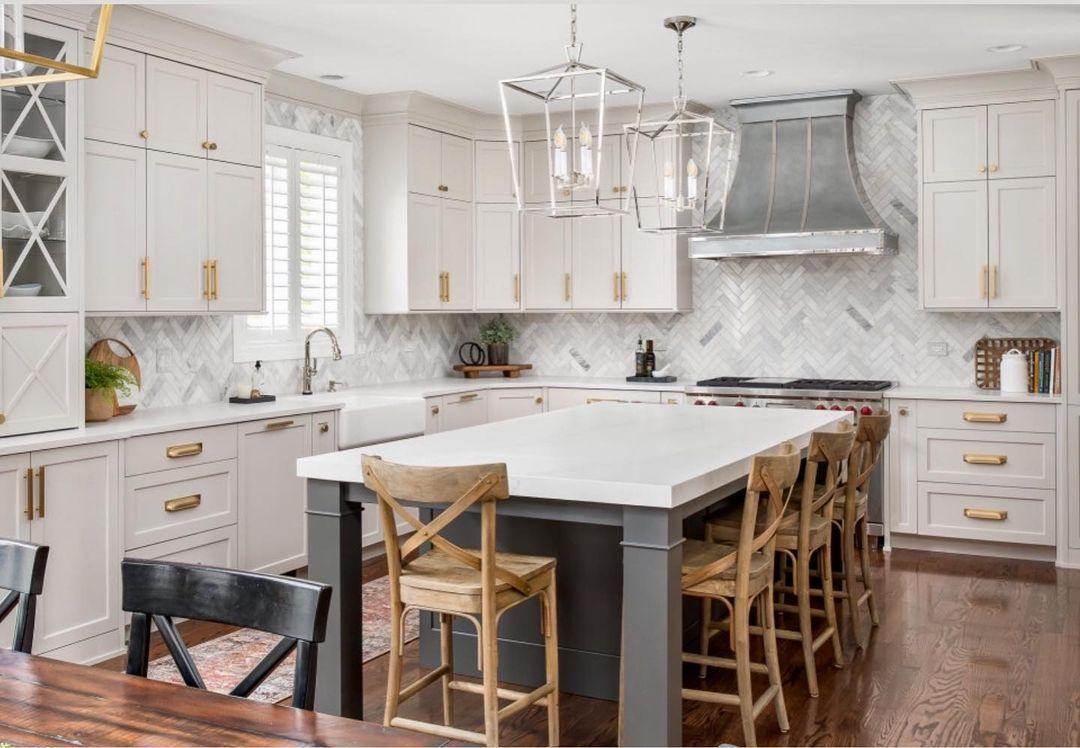 Kitchen with chevron marble backsplash