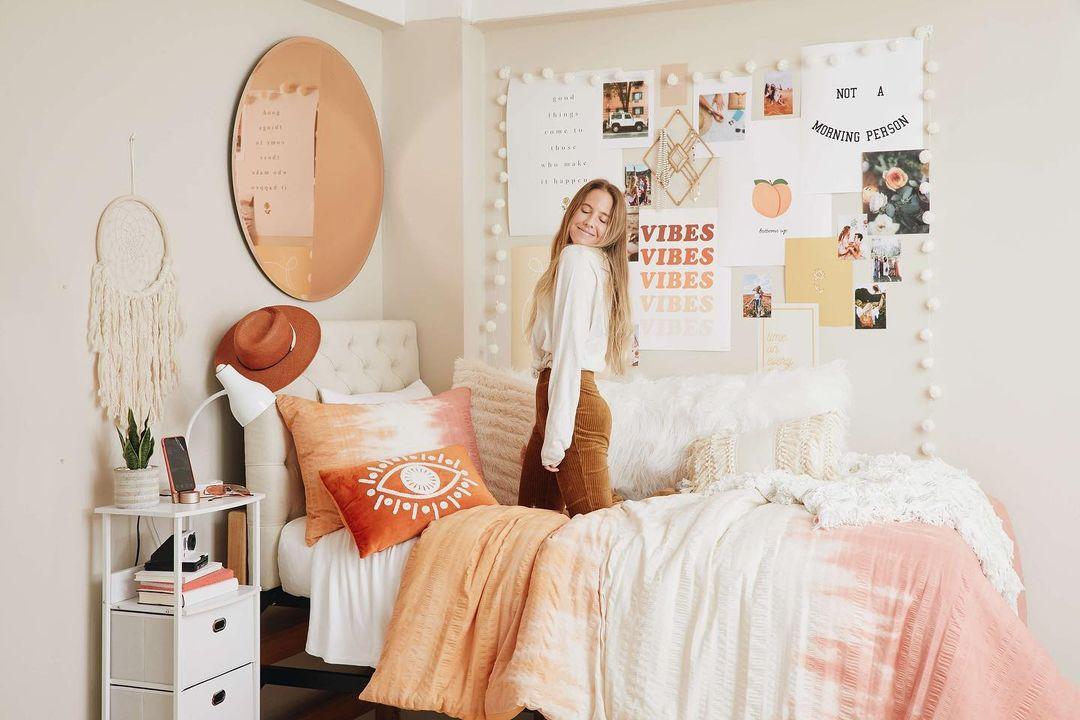 Light pink boho dorm room theme.