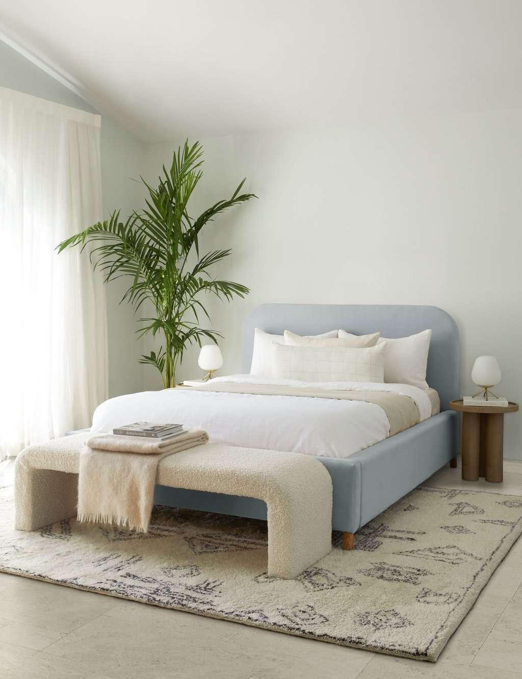 Solene Platform Bed