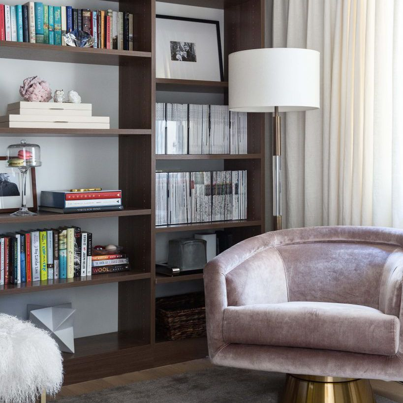 Reading nook with faux built-in shelves