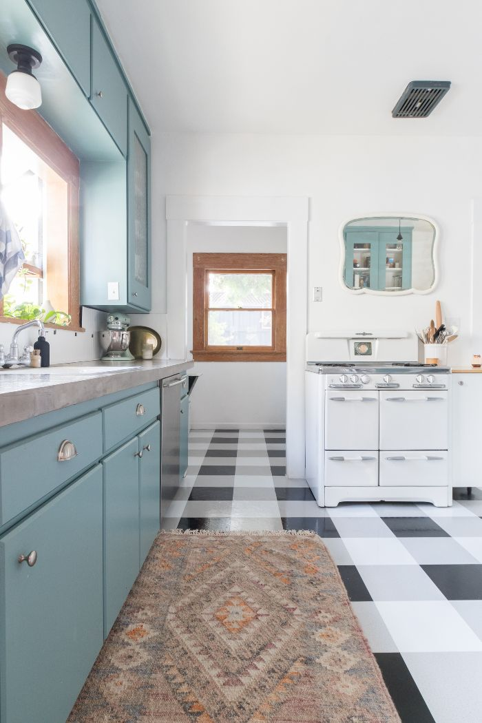 Ashley Goldman—Mistakes to Avoid Making in a Small Kitchen
