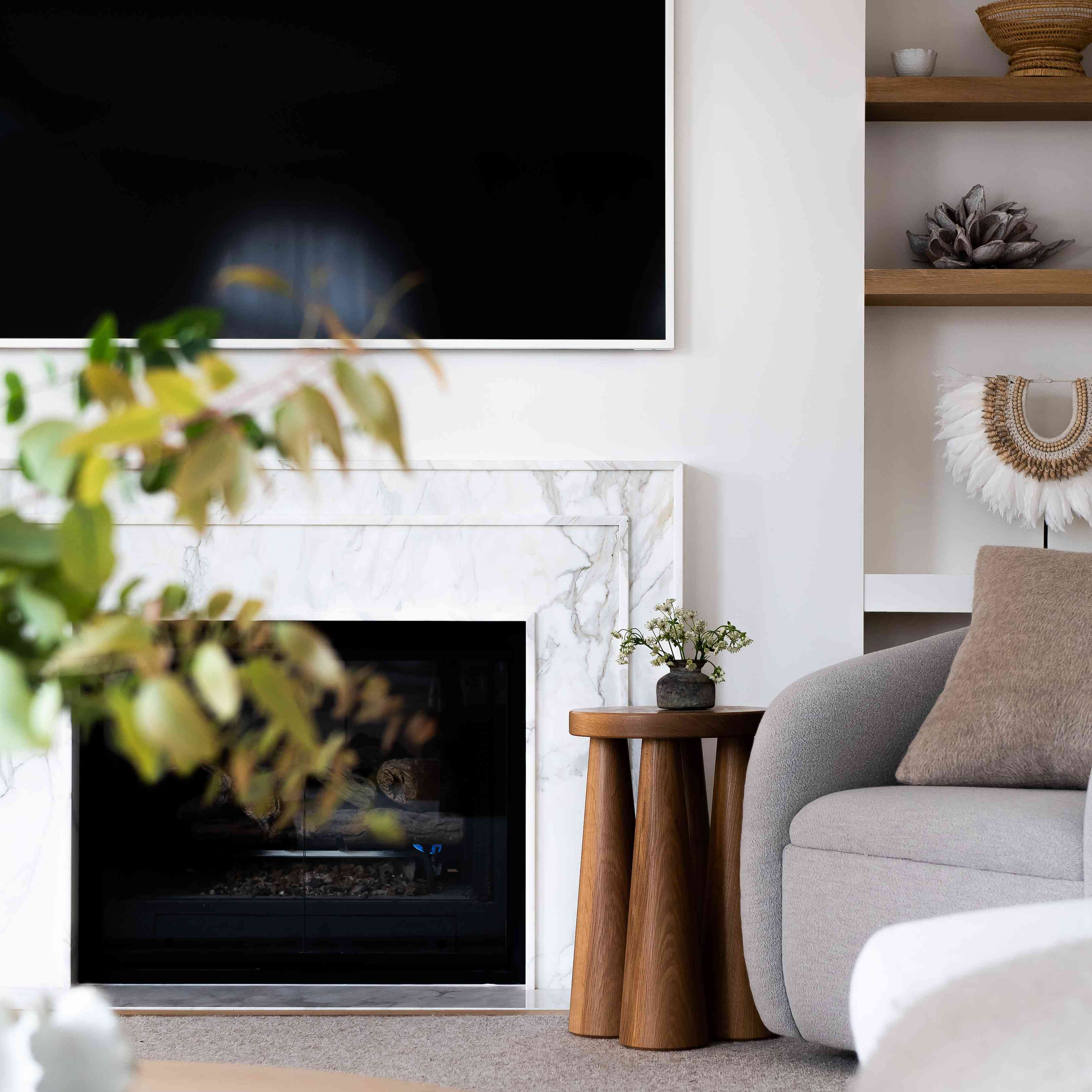 difference between living room and family room