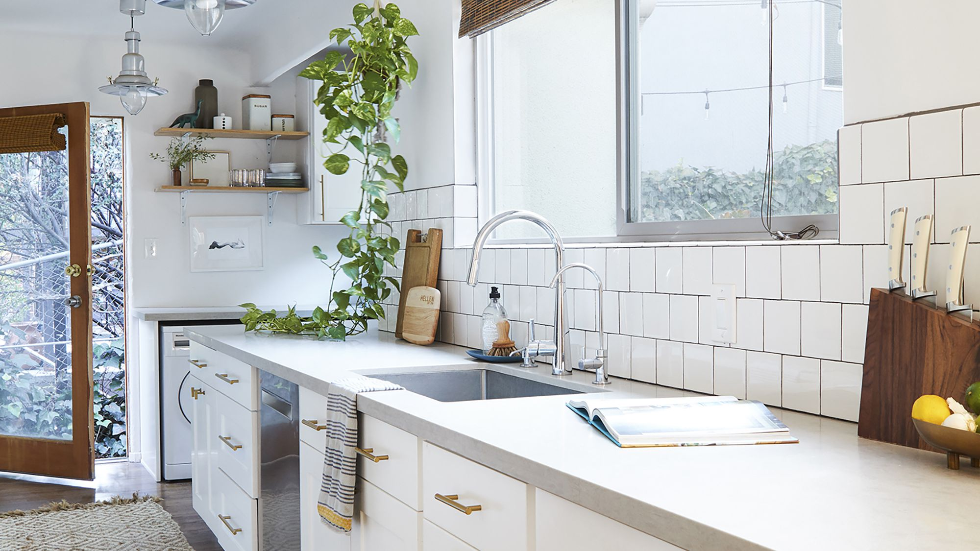 12 Best Square Subway Tile Ideas,Colors That Go Well With Red