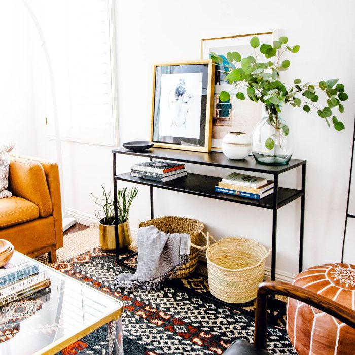Bohemian décor—eclectic living room