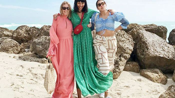 a6ae72efd2 8 Beach Outfit Ideas Inspired by Fashion It Girls