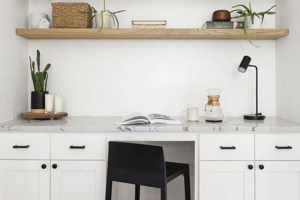 Built-in desk with shelves