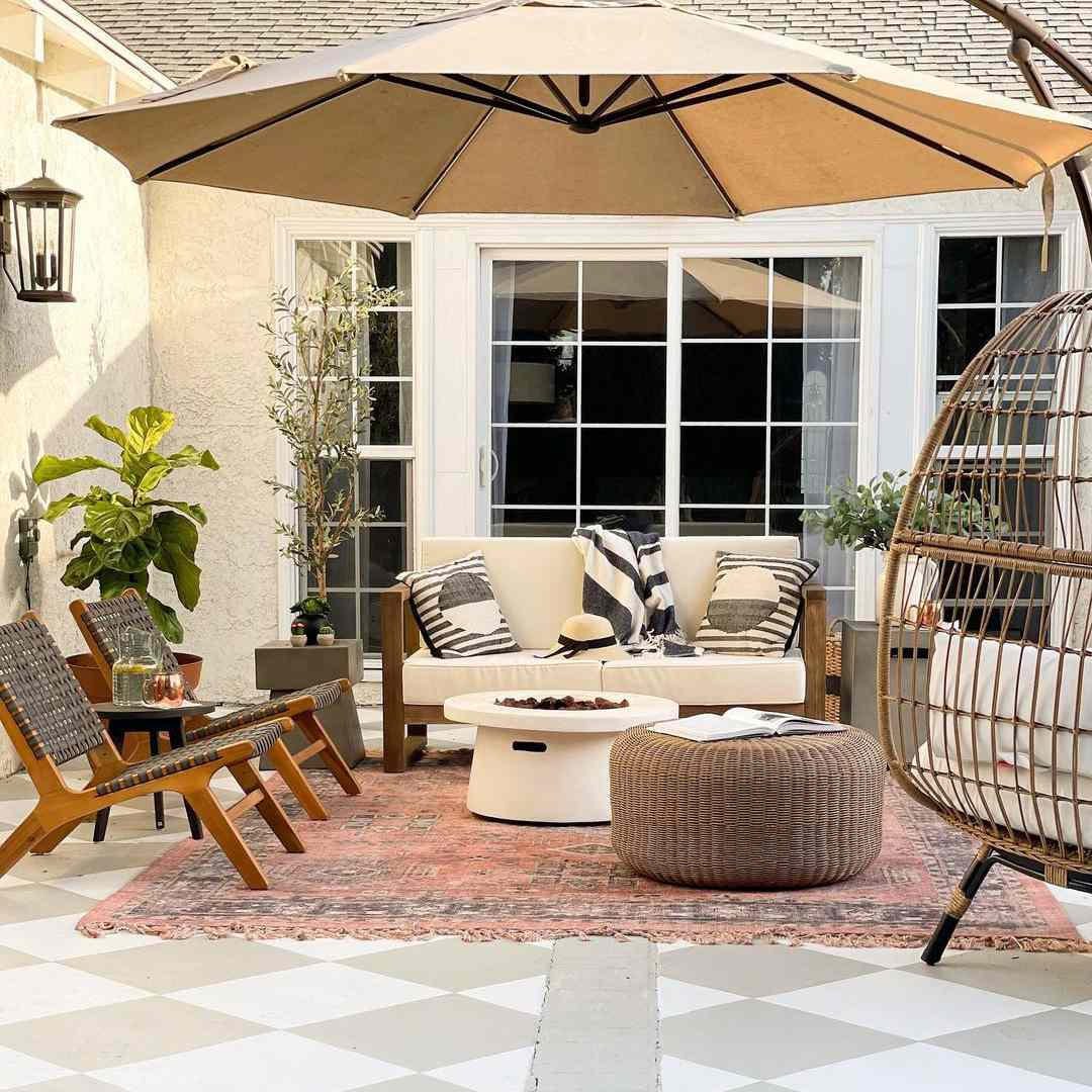Pretty on Fridays outdoor space with plants.